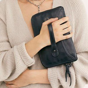 FREE PEOPLE  Traveler Wallet/Clutch/Purse